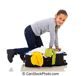 girl packing suitcase - pretty little girl packing suitcase ...