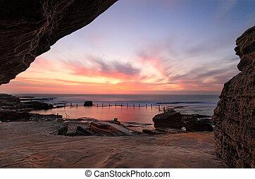 Pretty sunrise at Mahon Pool Maroubra