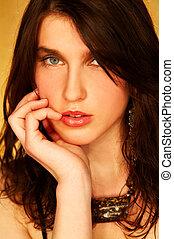 brunette model pose - Pretty young brunette model pose