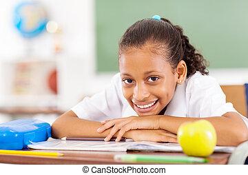 primário, schoolgirl, sentando, em, sala aula