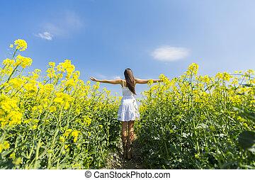 primavera, mulher, jovem, campo