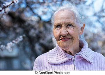 primavera, retrato, de, mulher idosa