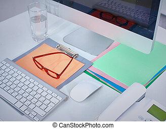 primeiro plano, computador, escrivaninha escritório