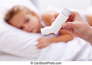 primeiro plano, inalador, doente, criança