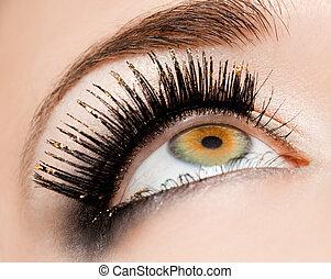 primer plano, de, hermoso, womanish, ojo