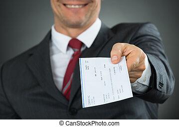 primer plano, de, hombre de negocios, manos, dar, cheque