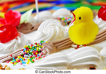 primer plano, de, un, mona, de, pascua, un, pastel, comido, en, españa, en, pascua, lunes, adornado, con, un, teddy, polluelo