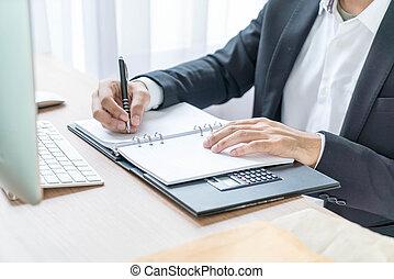 primer plano, mano, de, escritura empresario