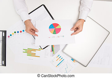 primer plano, mujer de negocios, paper., mano, mirar, primer...