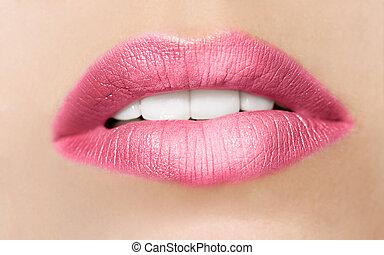 primer plano, retrato, de, joven, hermoso, mujer, labios,...