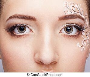 primer plano, retrato, de, mujer joven, con, cara, arte, componer