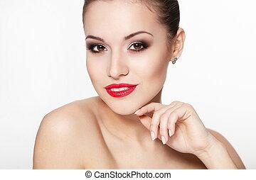 primer plano, retrato, de, sexy, sonriente, caucásico, mujer joven, modelo, con, encanto, labios rojos, maquillaje, ojo, flecha, maquillaje, pureza, complexion., perfecto, limpio, skin.white, dientes