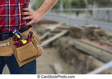 primer plano, trabajador, herramientas, cinturón