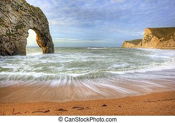 primer plano, vibrante, encima, océano, roca, pila, salida ...