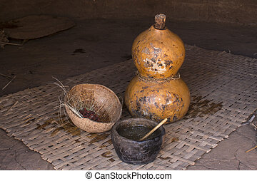 Primitive fermentation containers - Clay cup, natural gourd...