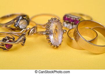 primo piano, anelli
