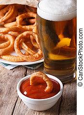 primo piano, cipolla, tavola., anelli, birra, fritto, vertical?