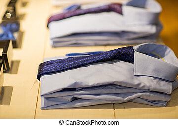 primo piano, di, camicie, con, cravatte, a, deposito vestiti