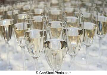 primo piano, di, molti, bicchieri champagne