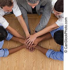 primo piano, di, un, affari internazionali, squadra, con, mani insieme
