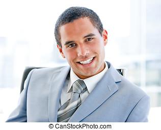 primo piano, di, uno, sorridente, uomo affari