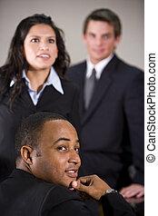 primo piano, multirazziale, affari esecutivi, tre, riunione