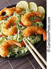 primo piano, piastra., verticale, gamberetto, sesamo, chili verde, fritto, pasta, calce