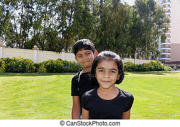 primos, indianas, asiático