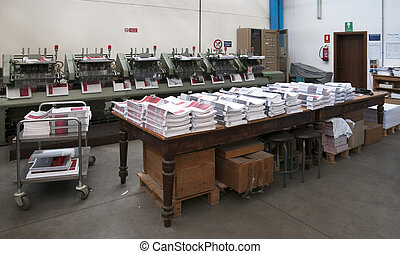 Print shop - Finishing line - Post press finishing line ...