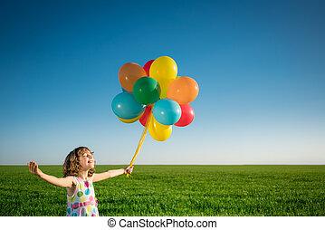 printemps, dehors, champ, enfant joue, heureux