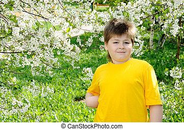 printemps, jardin, garçon