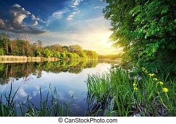 printemps, rivière, coucher soleil