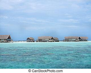 pristine, biała plaża, chaty