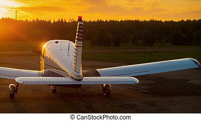 privado, ocaso, avión, estacionado, propulsor, fondo., ...