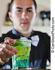 pro, barman, préparer, coctail, boisson, sur, fête