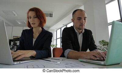 procès, femme, clair, fonctionnement, project., séance, spacieux, bureau, homme, ensemble, une, grand
