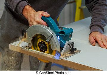 processo, lavoratore, carpentiere, closeup, sega, circolare