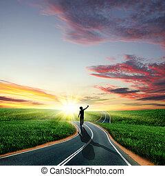 procházka stranou, po, rozednívat se, cesta, voják