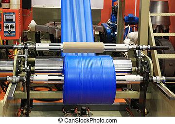 Production plastic bag - Extruder of polyethylene for ...