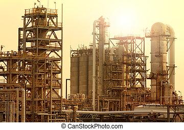 produire, industrie pétrochimique, contre, lourd, ciel, raffinerie, soleil, industriel, extérieur, matériel, huile, pétrole, lumière, propriété, tube, beau, plante
