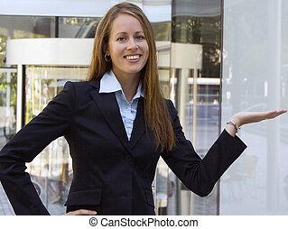 produkt, kvinna, henne, affär, visande, -, hand.
