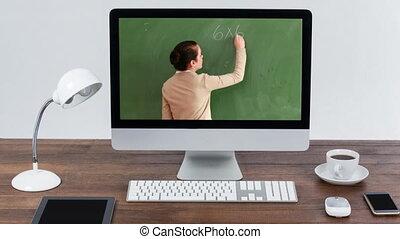 prof, écran, animation, femme, caucasien, projection, moniteur, informatique