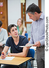 prof, étudiant, conversation