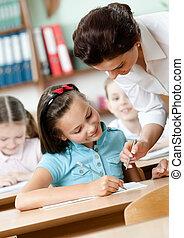 prof, tâche, élèves, aides