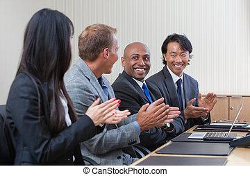 profesionales, aplaudiendo, reunión, empresa / negocio, ...