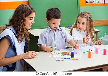 profesor, pintura, niños, escritorio