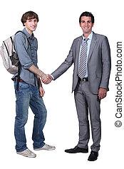 profesor, sacudida, estudiante, mano