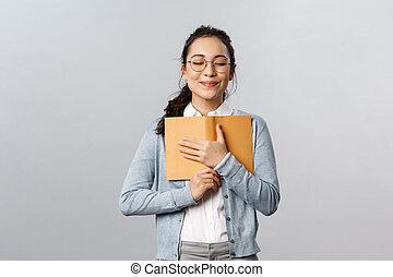 profesores, universidad, diario, lindo, abrazar, felizmente, concept., sobre, tiempo no acentuado, ojos, prensa, cierre, ella, escuelas, romántico, hembra, beso, educación, escritura, apretado, soñador, primero, pecho, sonrisa