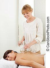 professionale, agopuntura, terapeuta, fuoco, cupping