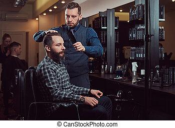 professionale, barbiere, lavorativo, con, uno, cliente, in, uno, lavoro parrucchiere, salon.